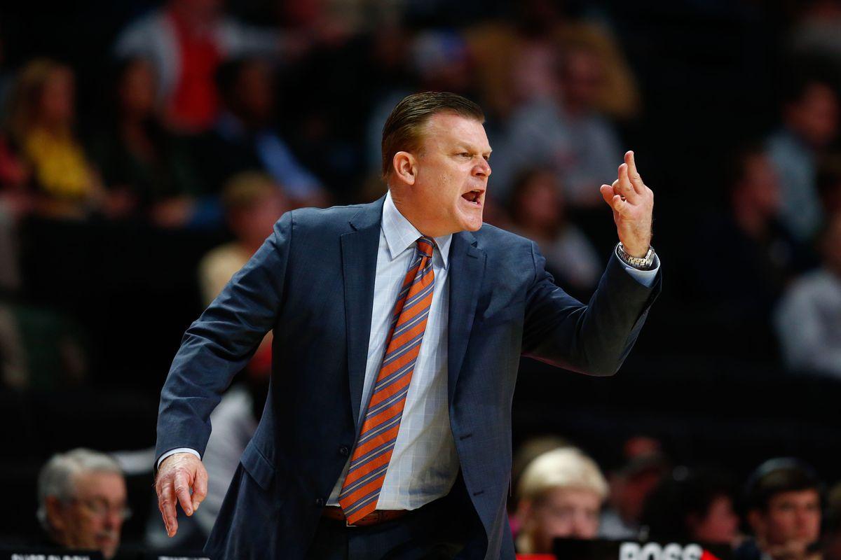 NCAA Basketball: Illinois at Wake Forest