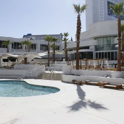 The pool area at Bagatelle.