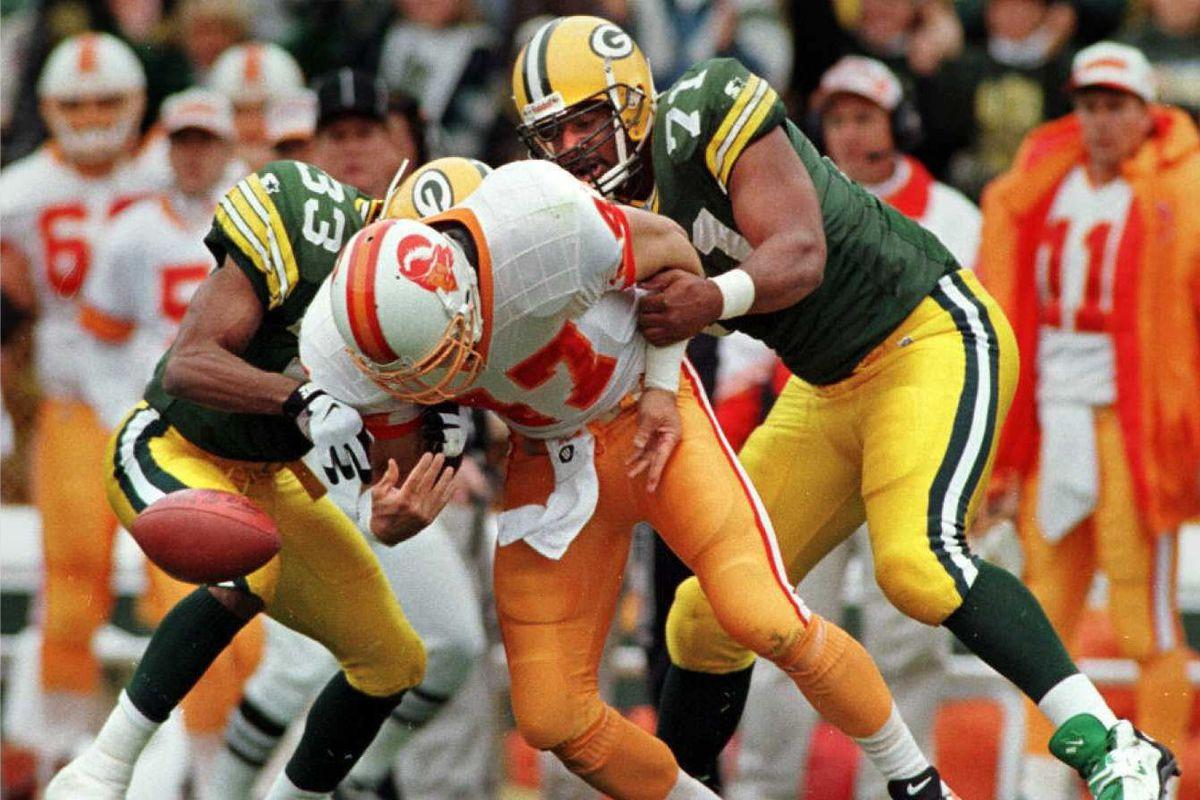 Green Bay Packers cornerback Doug Evans (left) and