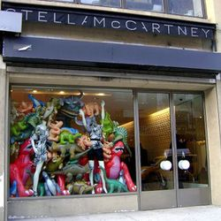 """Stella McCartney Mepa <a href=""""http://ny.racked.com/archives/2009/04/21/in_the_window_dinosaurs.php#stella-dino-windows-2"""" rel=""""nofollow"""">back in 2009</a>"""