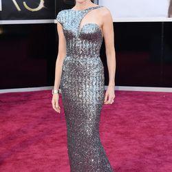Naomi Watts picked a futuristic silver Armani Prive.