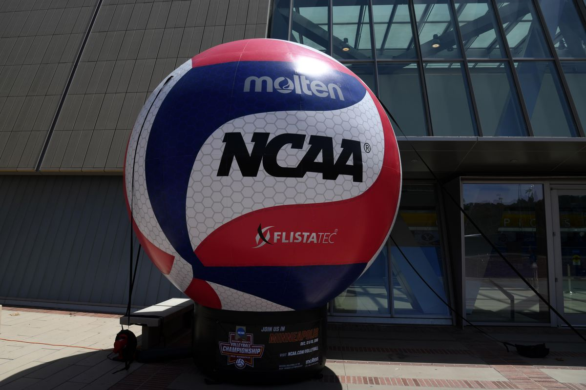 Volleyball: NCAA Volleyball Championship-UCLA vs Long Beach State