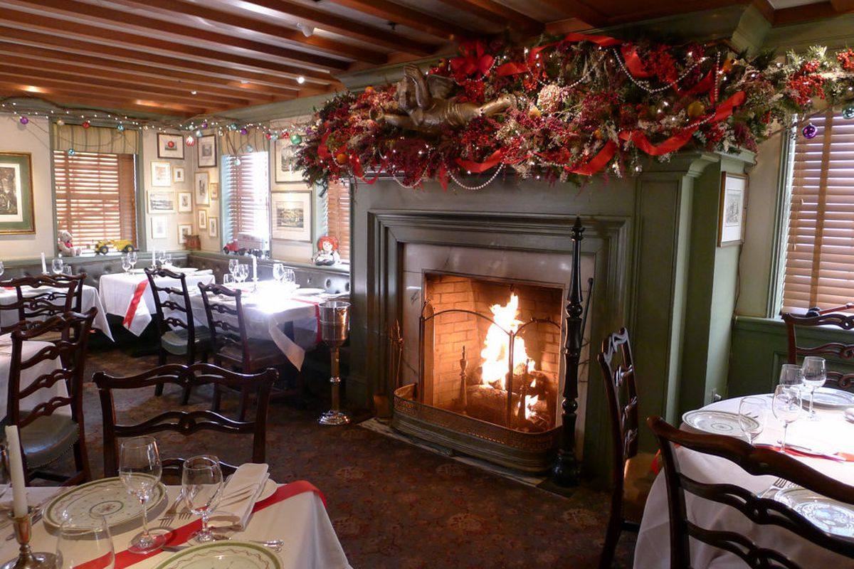 ten dc restaurants with really festive christmas decor eater dc