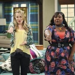 Bridgit Mendler (Teddy Duncan) and Raven Goodwin, who portrays Teddy's friend Ivy.
