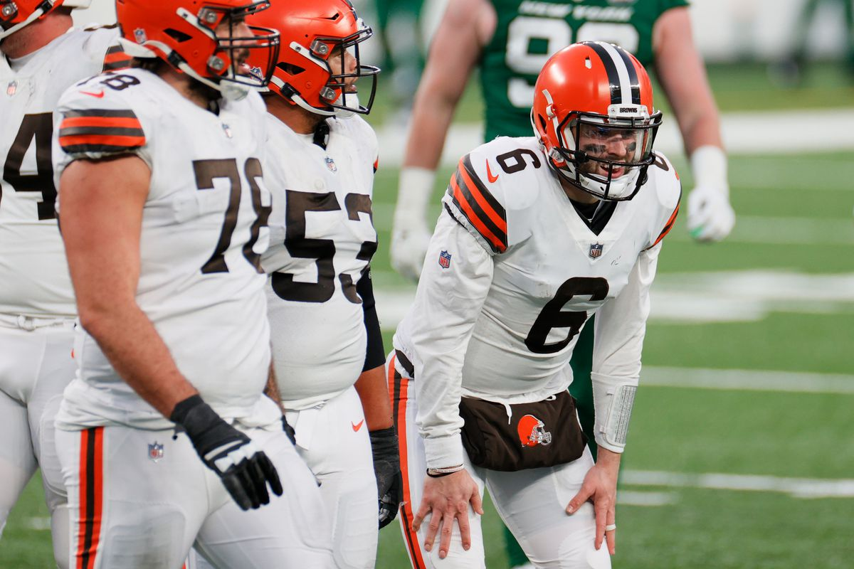 Baker Mayfield #6 of the Cleveland Browns reacts late in the fourth quarter against the New York Jets at MetLife Stadium on December 27, 2020 in East Rutherford, New Jersey.