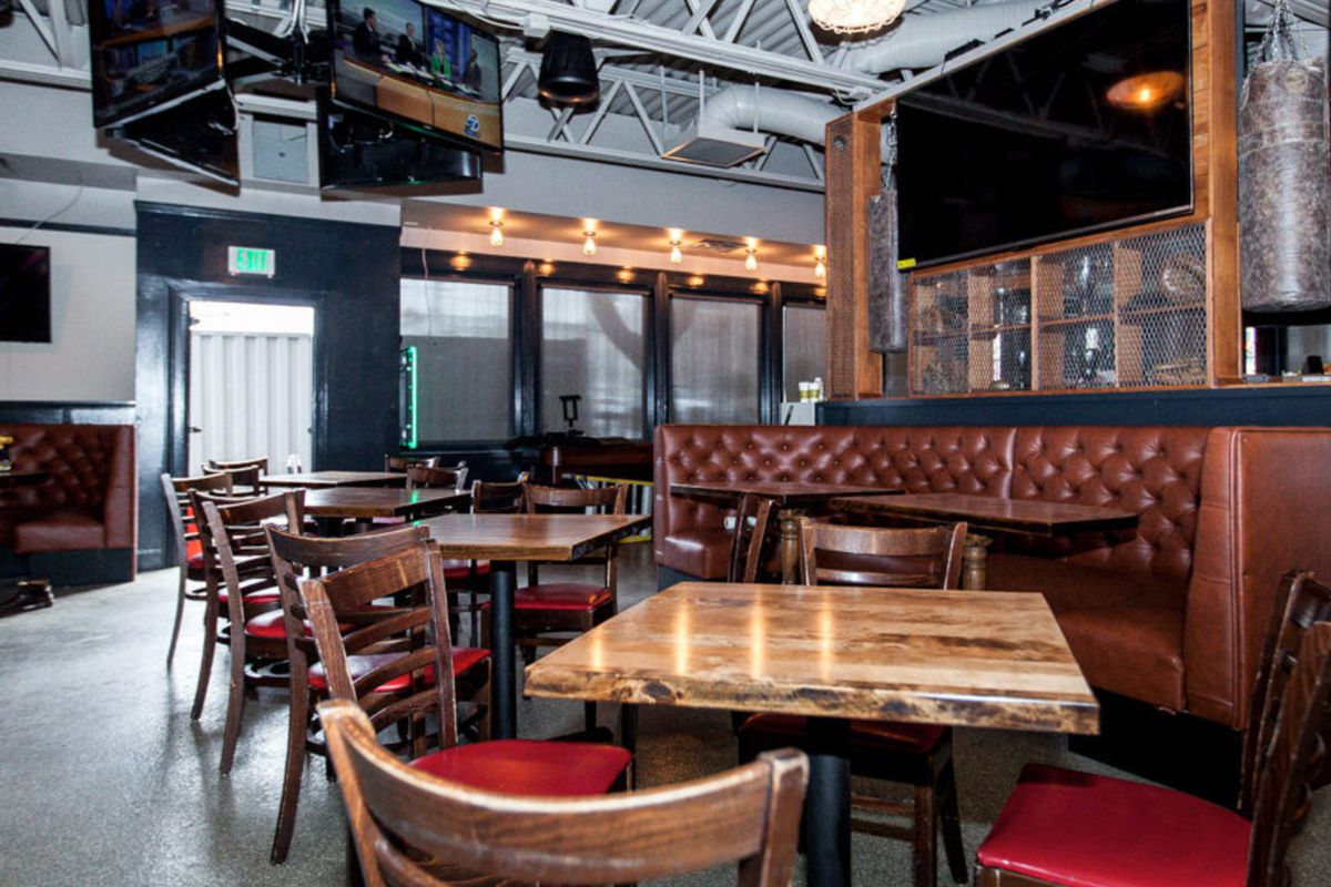 """<a href=""""http://sf.eater.com/archives/2014/06/12/inside_san_francisco_athletic_club_a_lower_pac_heights_sports_bar_for_world_cup_fever.php"""">San Francisco Athletic Club, SF</a>"""