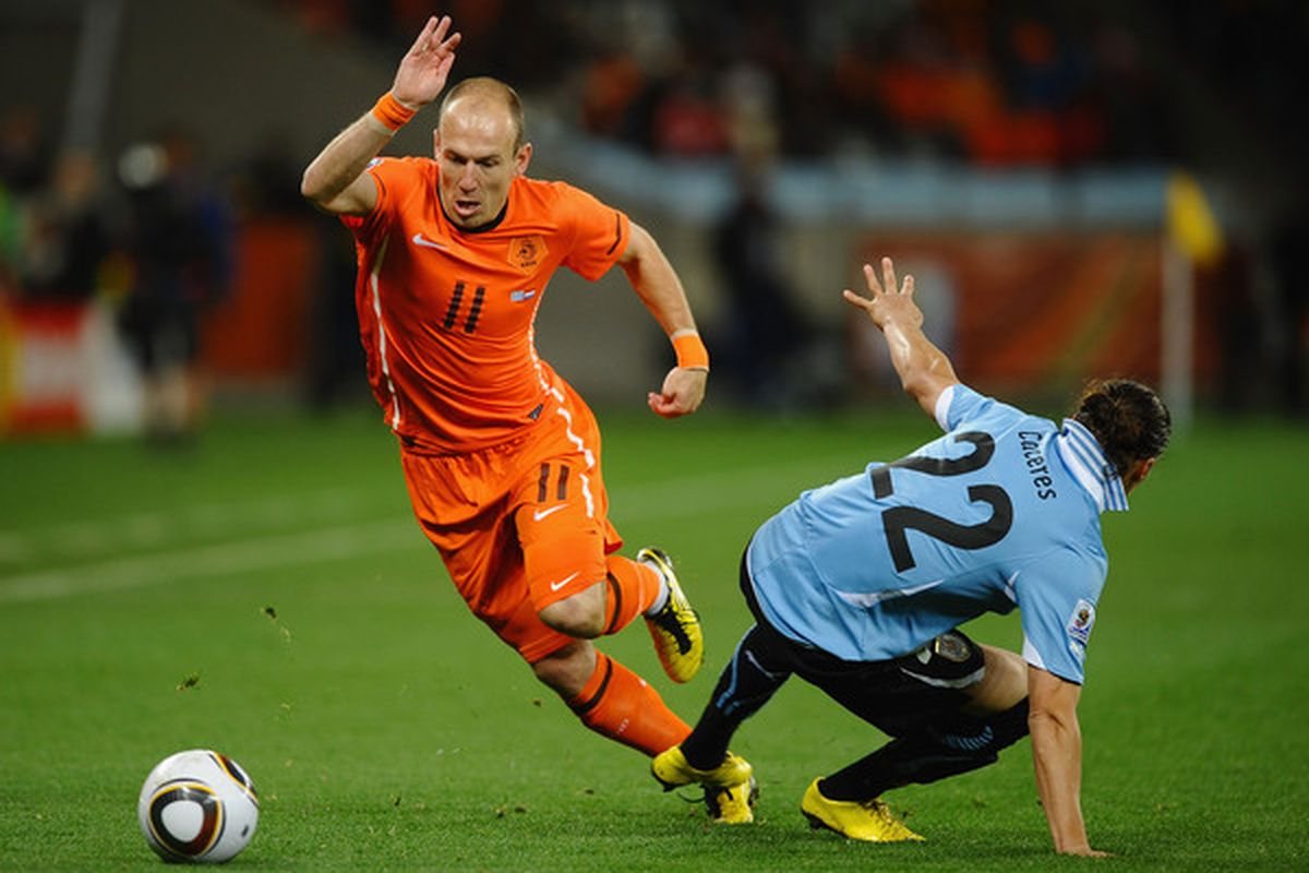Woooo Arjen Robben! (Photo by Laurence Griffiths/Getty Images)