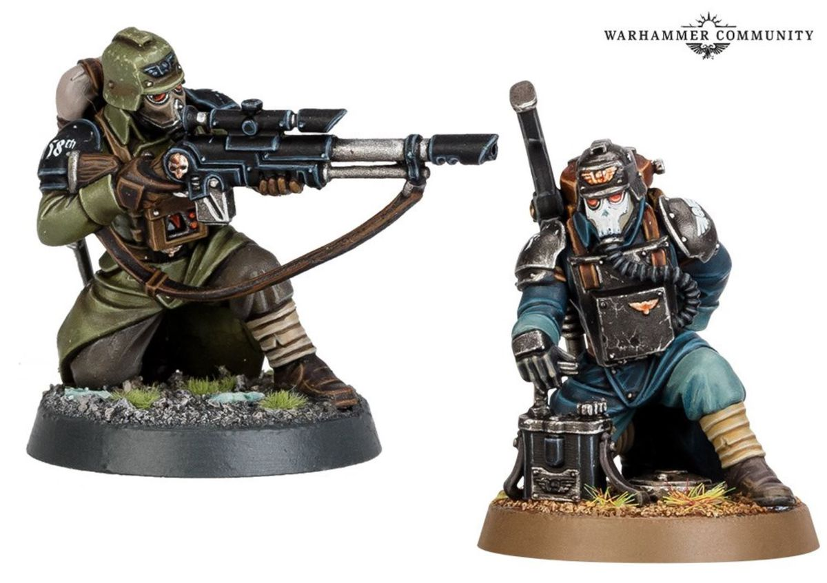 Another example of the same torso being used for two different figures. On the left, a sniper. On the right, a demolitions unit at his plunger.