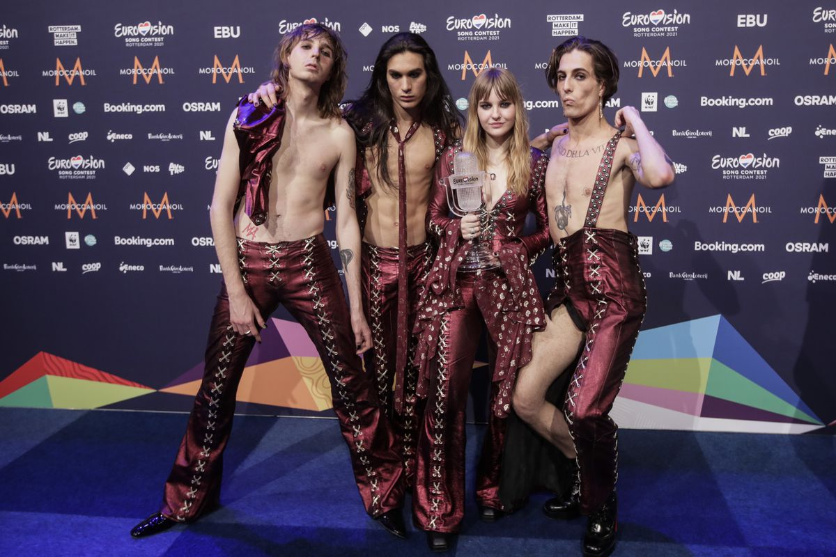 Eurovision winners Maneskin return home to Italy to cheers, a drug test to  debunk rumors - Chicago Sun-Times