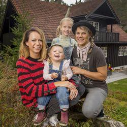 X Games gold medalist Stine Brun Kjeldaas and snowboarding legend Cheryl Maas have twochildren together, Lara and Mila.