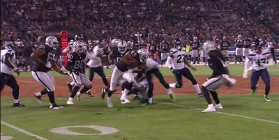 Seahawks-Raiders: DeAndre Elliott carted off field after suffering gruesome leg injury
