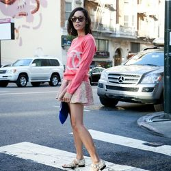 """Rachel of <a href=""""http://www.thatschic.net""""target=""""_blank"""">That's Chic</a> is wearing a Chanel sweater, a  Zimmerman skirt, a Rebecca Minkoff clutch and Carven flats."""