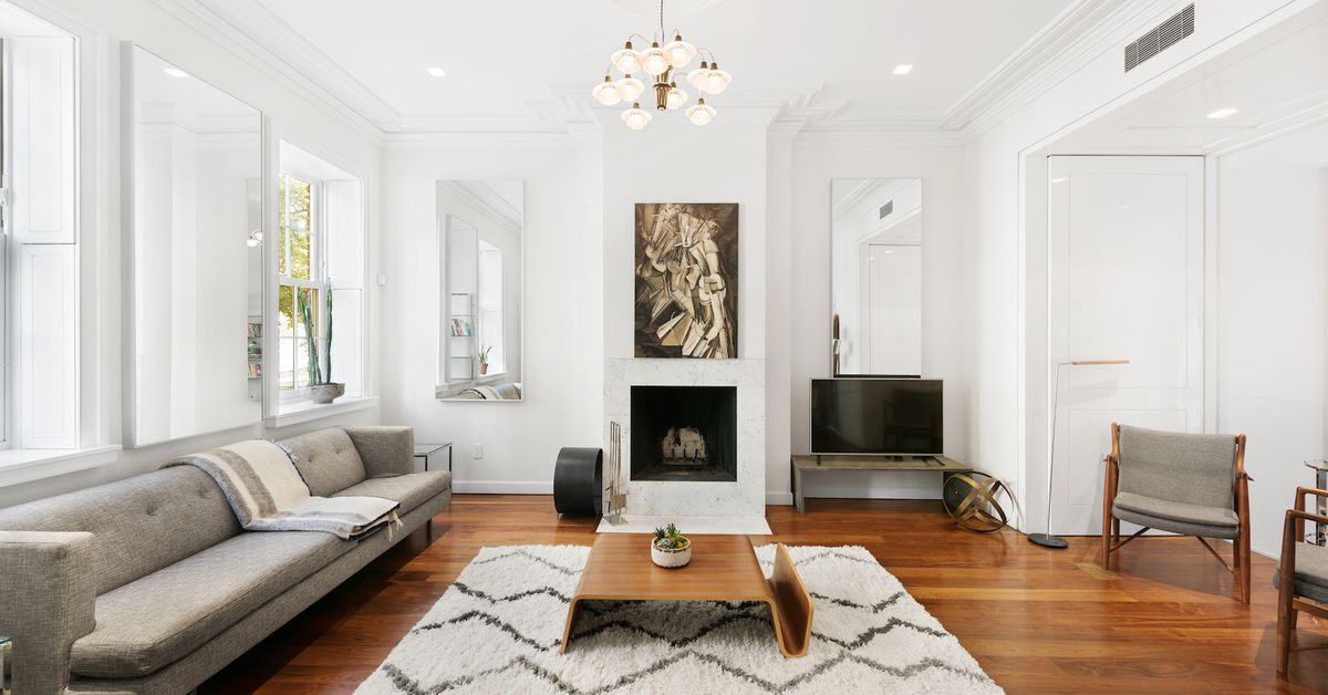 Gut renovated 19th century greenwich village townhouse for Greenwich townhomes for sale
