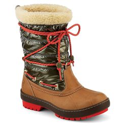 """Sperry Top-Sider 'Highland' snow boot, <a href=""""http://www.sperrytopsider.com/en/highland-snow-boot/10727W.html?dwvar_10727W_color=9289273#cgid=women-shoes-boots&start=1"""">$150</a>"""