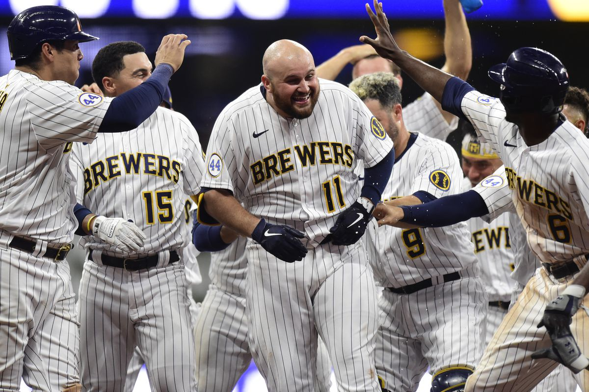 On The Horizon: Cubs vs. Brewers series preview - Bleed Cubbie Blue