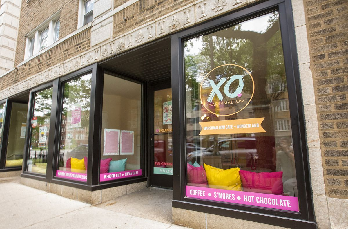 Inside Chicago S First Marshmallow Cafe Now Serving Melty