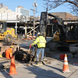 Utility work on Waveland in front of Murphy's
