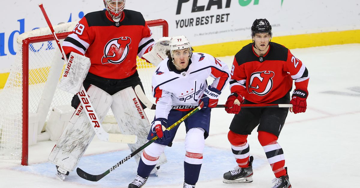 Devils Fall 5-2 as Team Fails to Overcome Slow Start