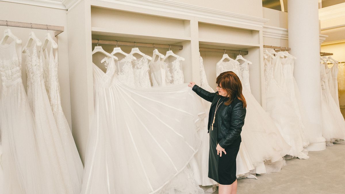 behind the veil with kleinfelds modest bridal consultant