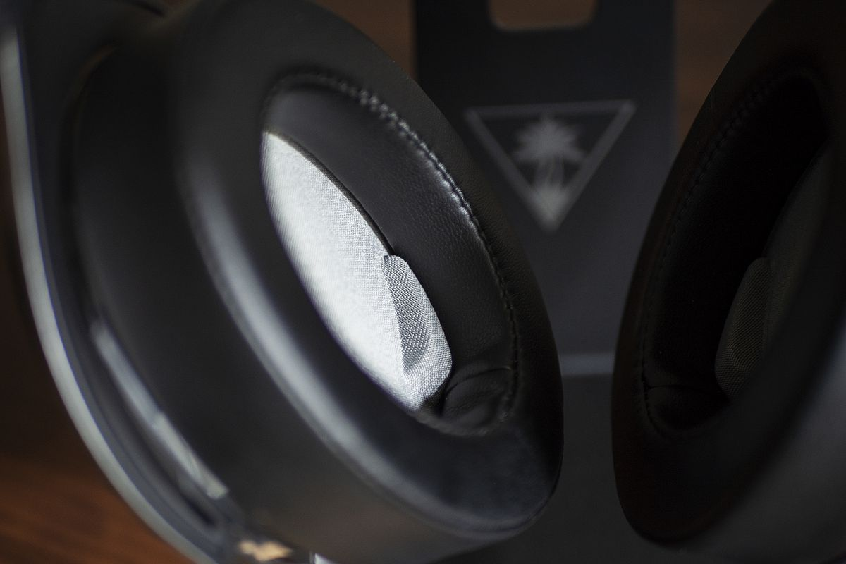 Corsair's HS75 XB Wireless review: very solid performance for $150 - The  Verge