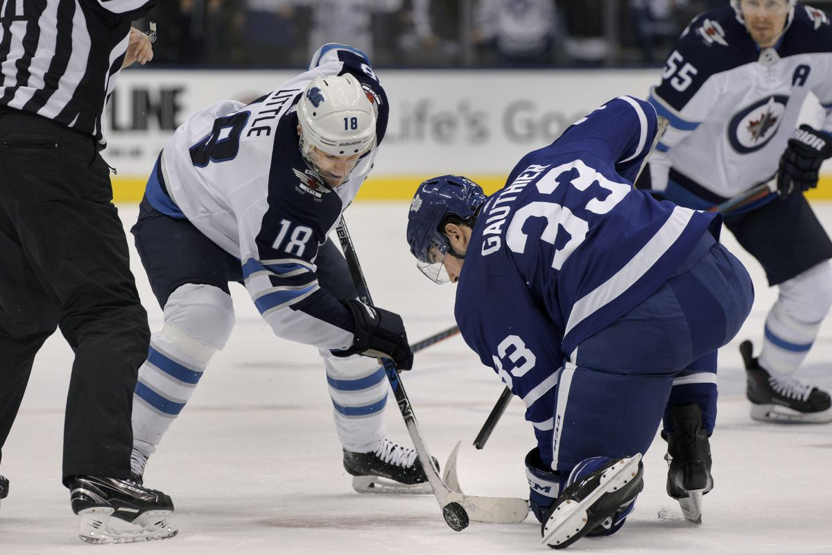 NHL: OCT 27 Jets at Maple Leafs