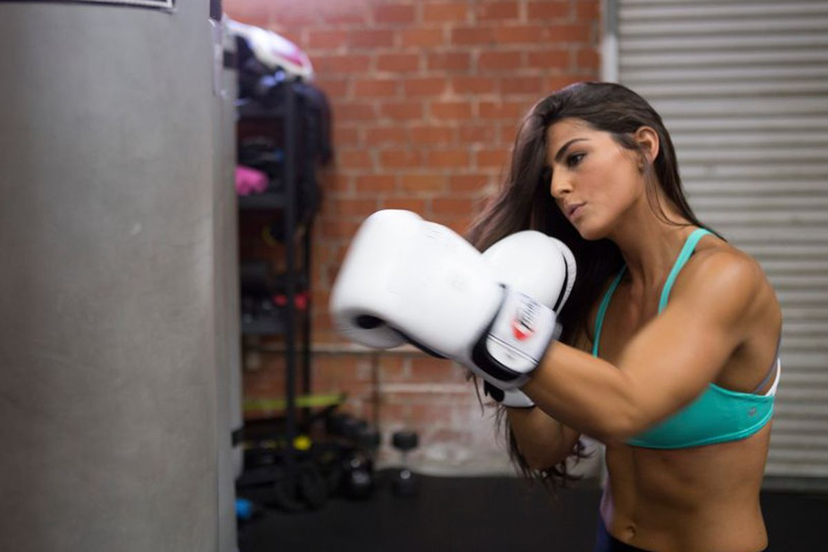 "LA's Hottest Trainer 2015 Contestant <a href=""http://la.racked.com/2015/8/14/9126067/la-hottest-trainer-2015-erika-hammond"">Erika Hammond</a>"
