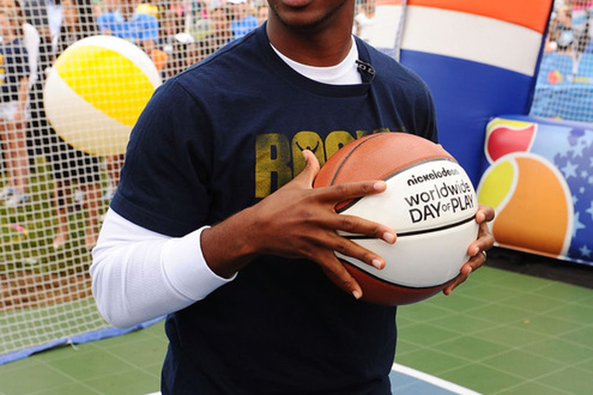 WASHINGTON, DC - SEPTEMBER 24: NBA player Chris Paul celebrates Nickelodeon's largest ever Worldwide Day of Play at the Ellipse on September 24, 2011 in Washington, DC.  (Photo by Larry Busacca/Getty Images for Nickelodeon)