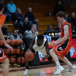 Lincoln Park's Tavis Stampley (23) stumbles turning the corner, Saturday 02-02-19. Worsom Robinson/For the Sun-Times.