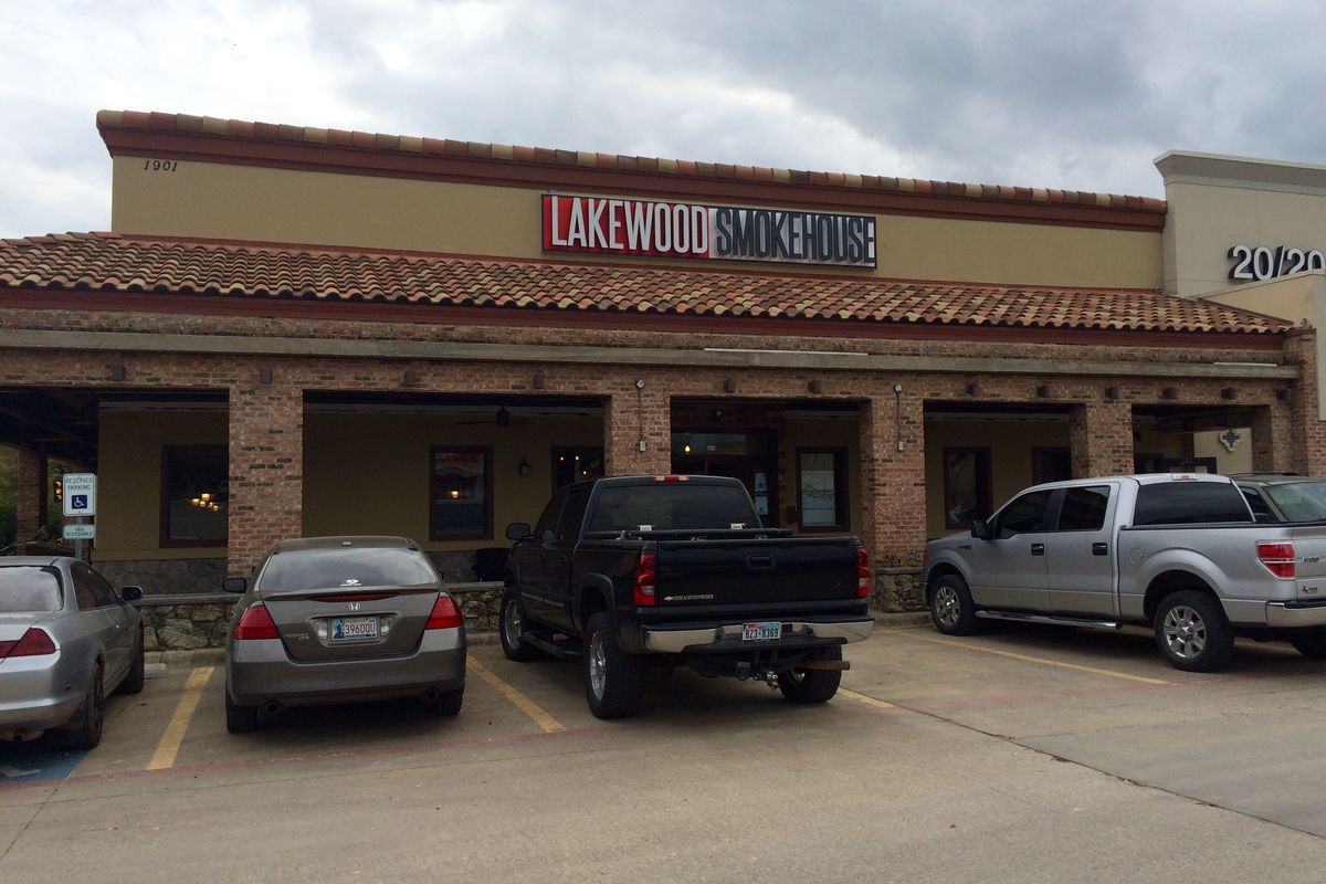 Get ready for burnt ends & local beer at Lakewood Smokehouse.