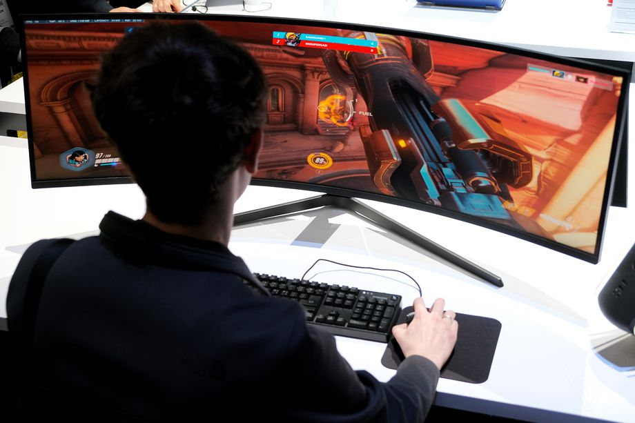 Samsung's Odyssey G9 gaming monitor is the most ultrawide monitor ...