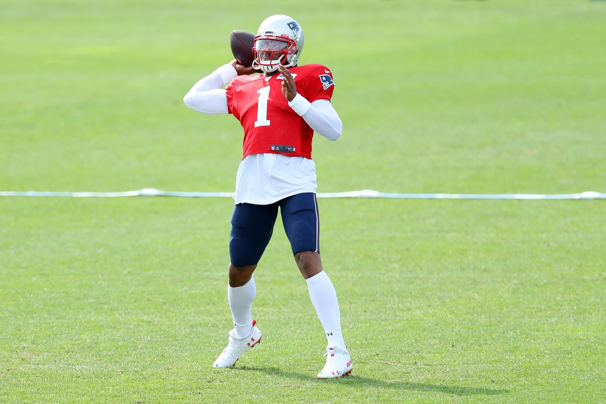 Cam Newton makes a throw during New England Patriots Training Camp at Gillette Stadium on September 01, 2020 in Foxborough, Massachusetts.