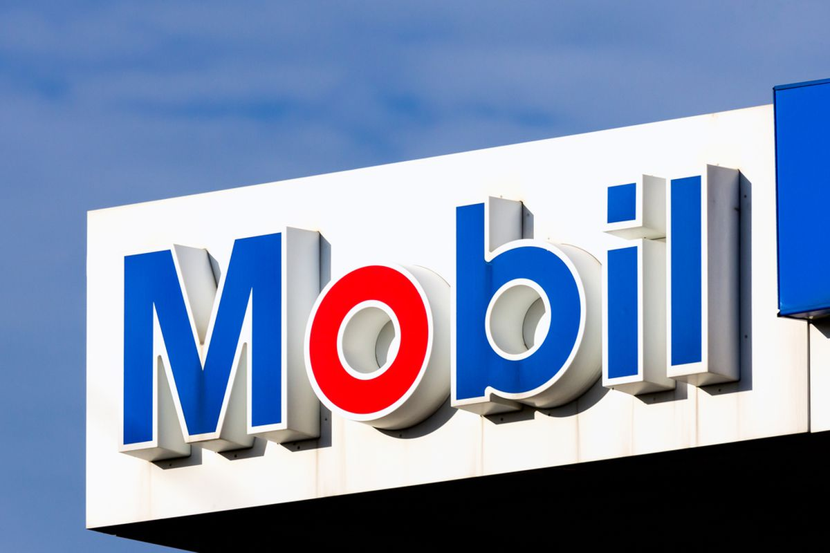 Apple Pay Now Works At Exxonmobil Gas Stations The Verge