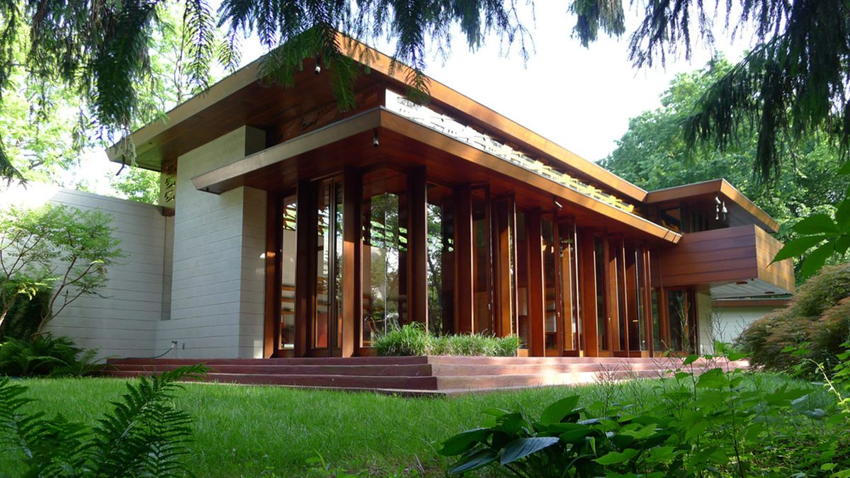 Frank lloyd wright house is rebuilt anew piece by piece for Frank lloyd wright houses