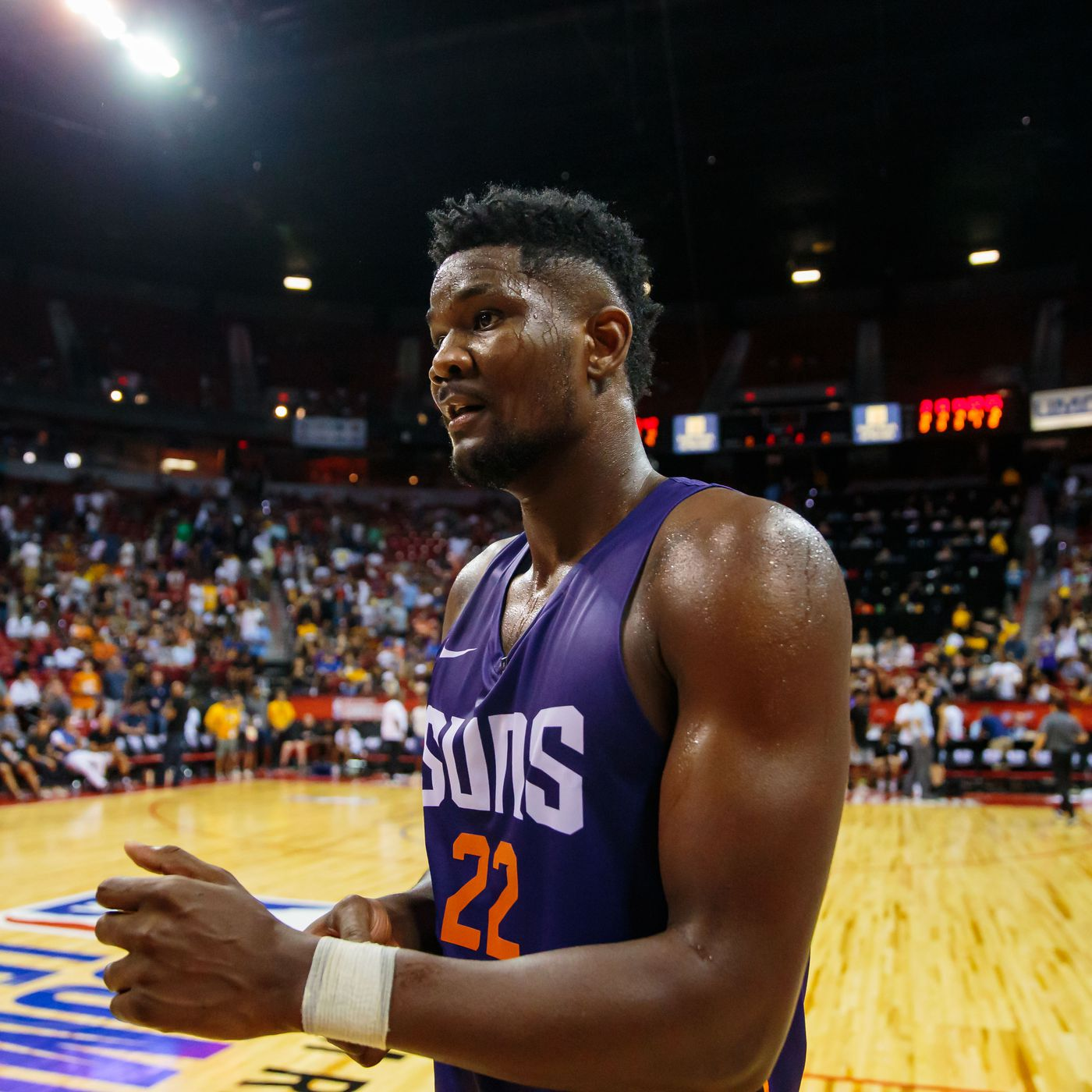 Deandre Ayton doing everything the Summer Suns need to go 2-0 ... e7ff369e8