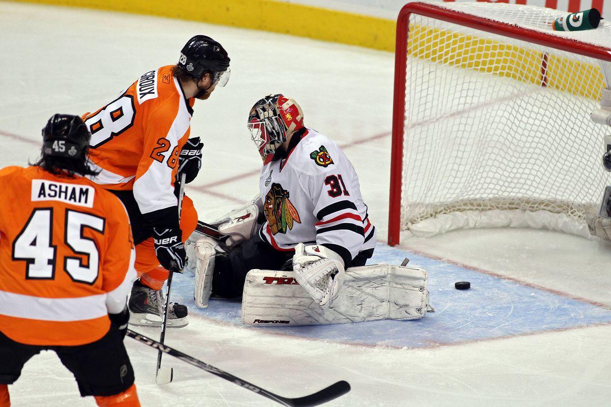 Stanley Cup Finals - Chicago Blackhawks v Philadelphia Flyers - Game Three