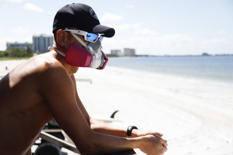 GettyImages_1024977134 Why Florida's red tide is killing fish, manatees, and turtles