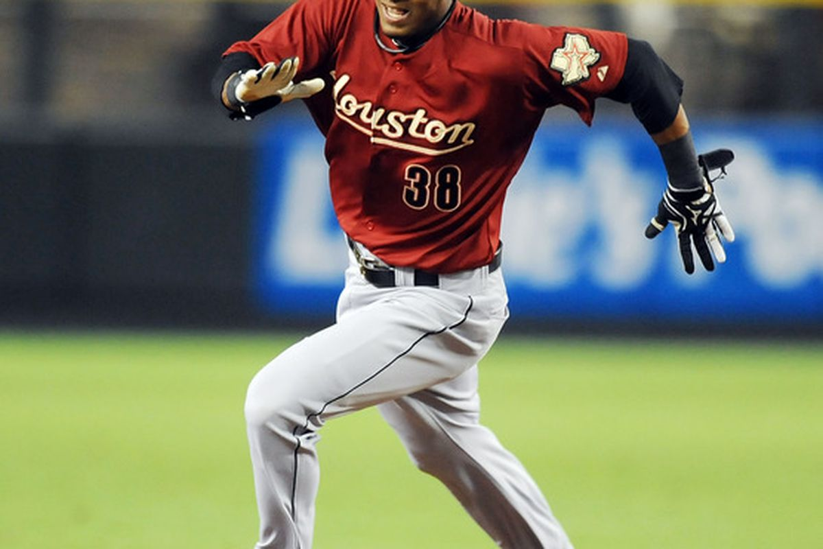 Jimmy Paredes on the base paths at the ML level last year. (Photo by Norm Hall/Getty Images)