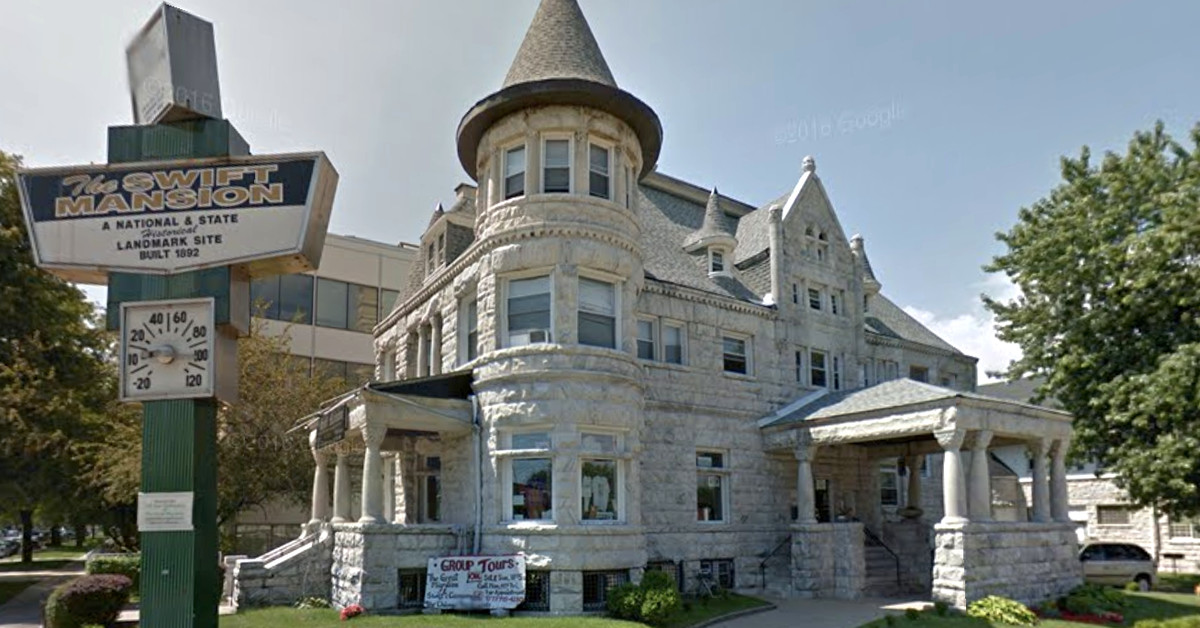 Chicago s historic swift mansion is still for sale for Mansion in chicago for sale