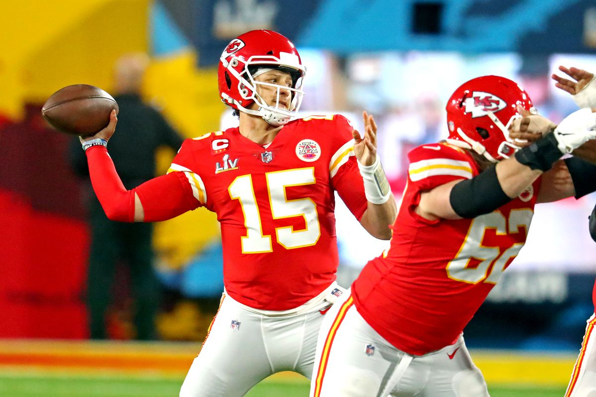 Patrick Mahomes drops back to pass for the Kansas City Chiefs in Super Bowl LV versus the Tampa Bay Buccaneers