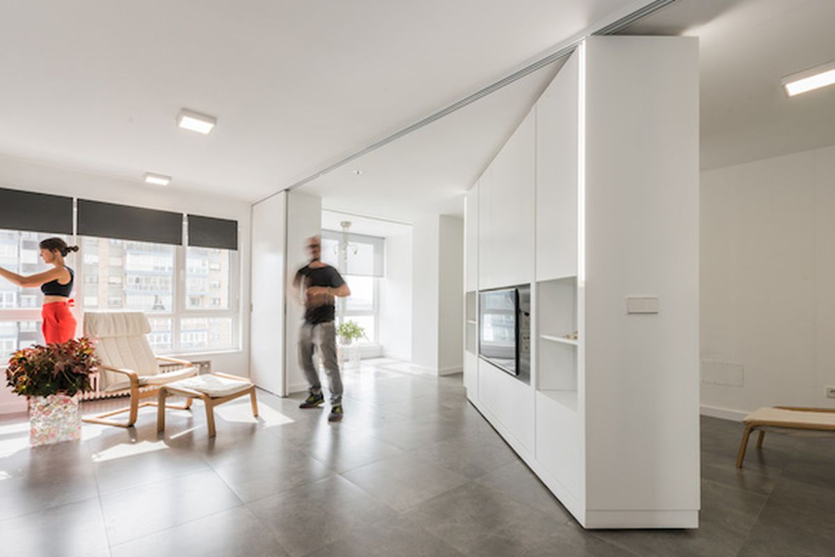 Movable walls transform giant studio into two bedroom pad House with movable walls