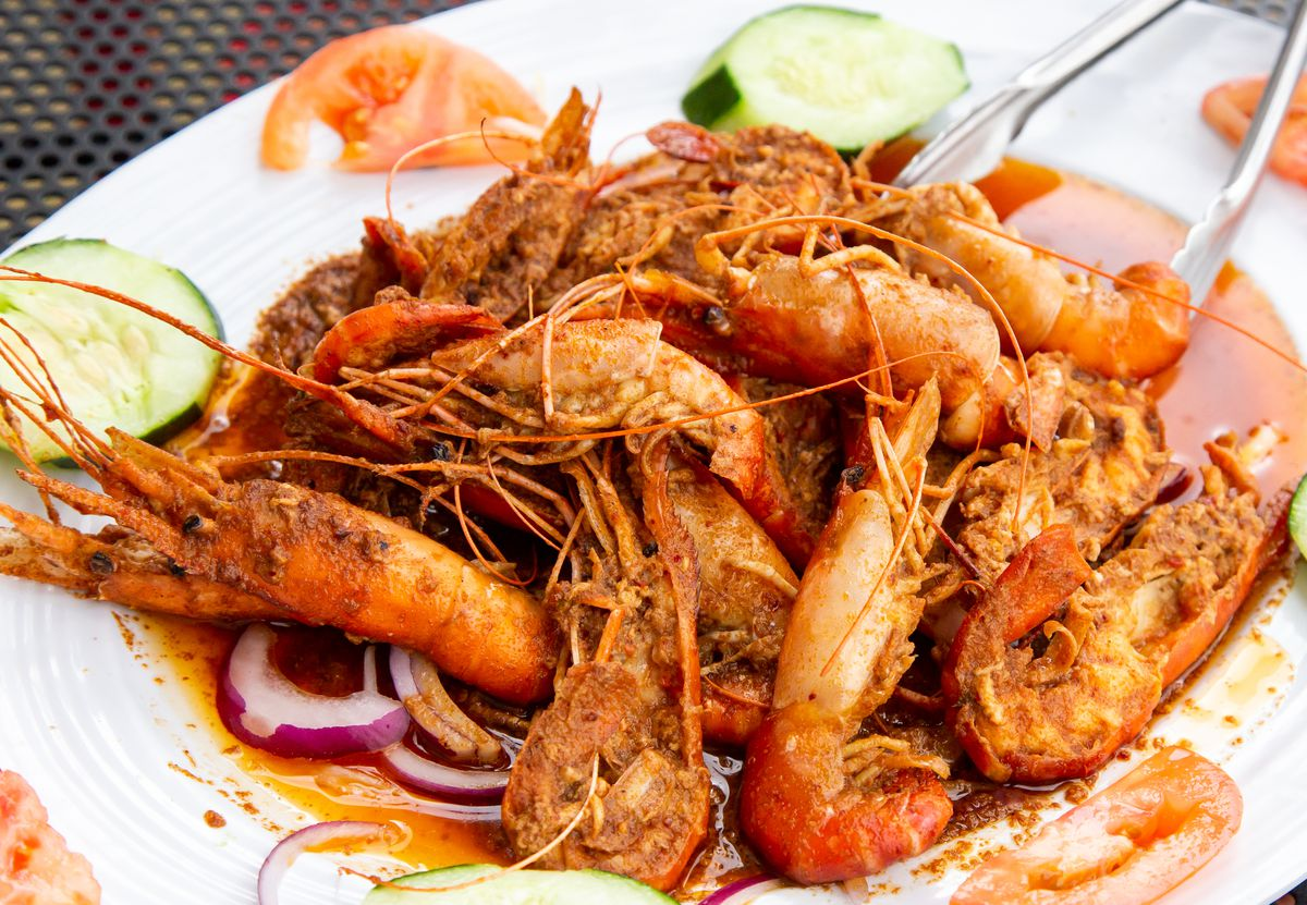 Prawns with lime and chile de arbol