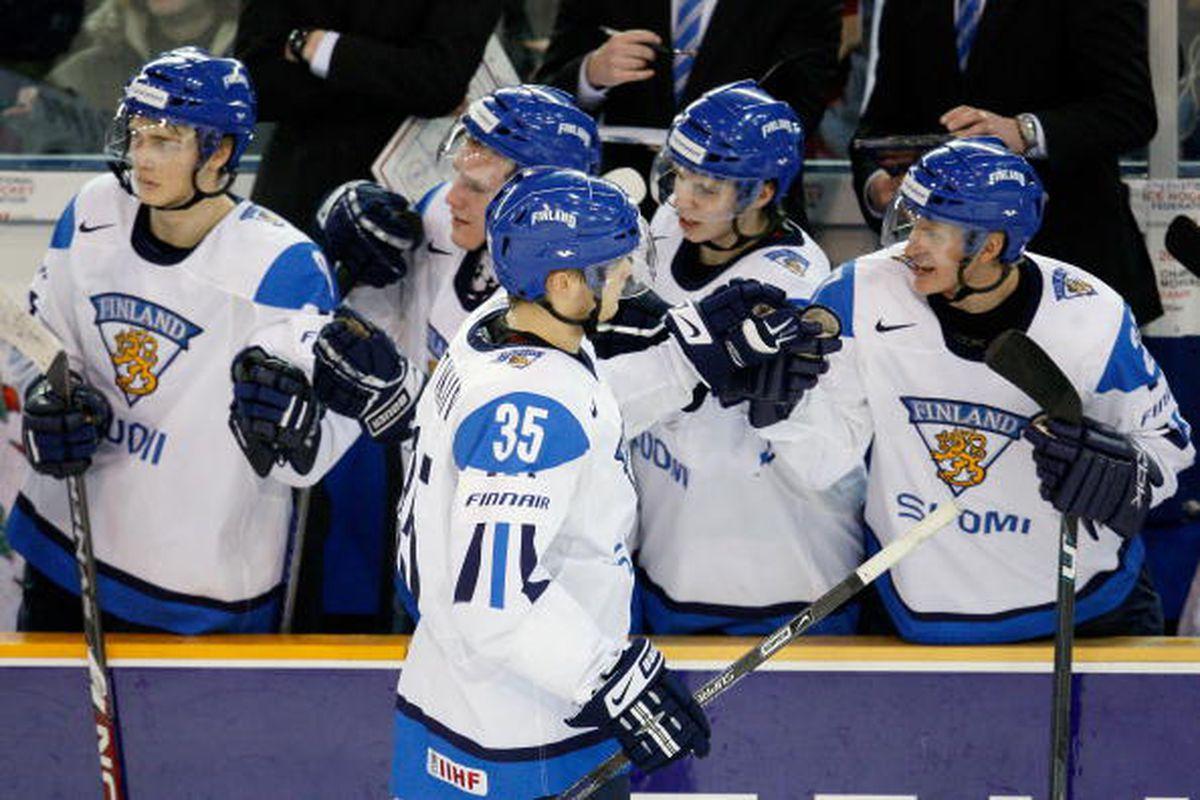 "via <a href=""http://cdn.picapp.com/ftp/Images/8/d/a/9/IIHF_World_Juniors_c300.jpg?adImageId=9585159&imageId=3558391"">cdn.picapp.com</a>"
