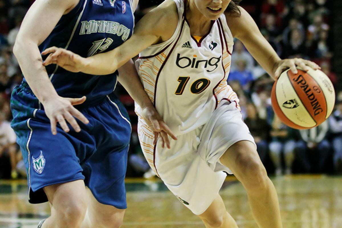"""Seattle Storm point guard Sue Bird hopes to return quickly from injury, but hyperflexed knees can take time to heal. <em>Photo via <a href=""""http://jlindstr.smugmug.com/photos/873338064_866WU-X2.jpg"""">jlindstr.smugmug.com</a></em>."""