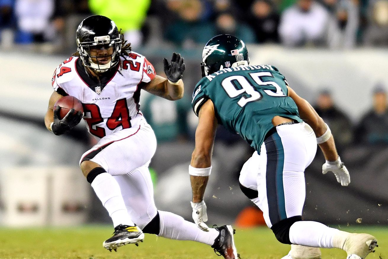 Would you bet the over or the under on these Devonta Freeman prop bets?