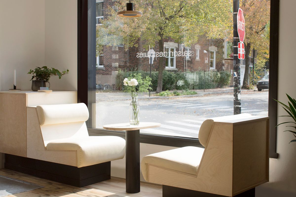 cafe window seating
