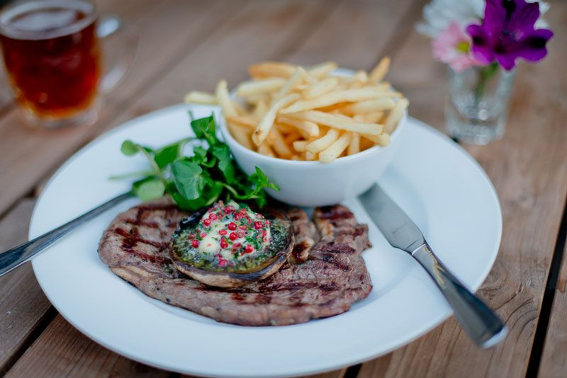 Best restaurants in Catford: steak and chips at the Catford Constitutional pub restaurant