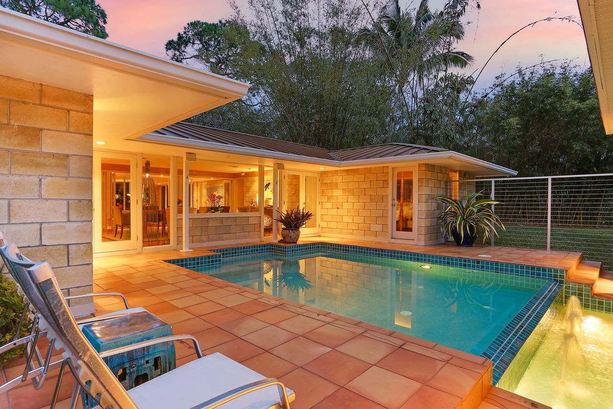 Beautifully preserved midcentury home in florida asks 1 for Sarasota architectural foundation
