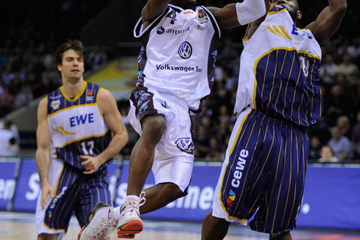 Tony Skinn (4) will head from Braunschweig, Germany to London, England to play basketball for Nigeria.