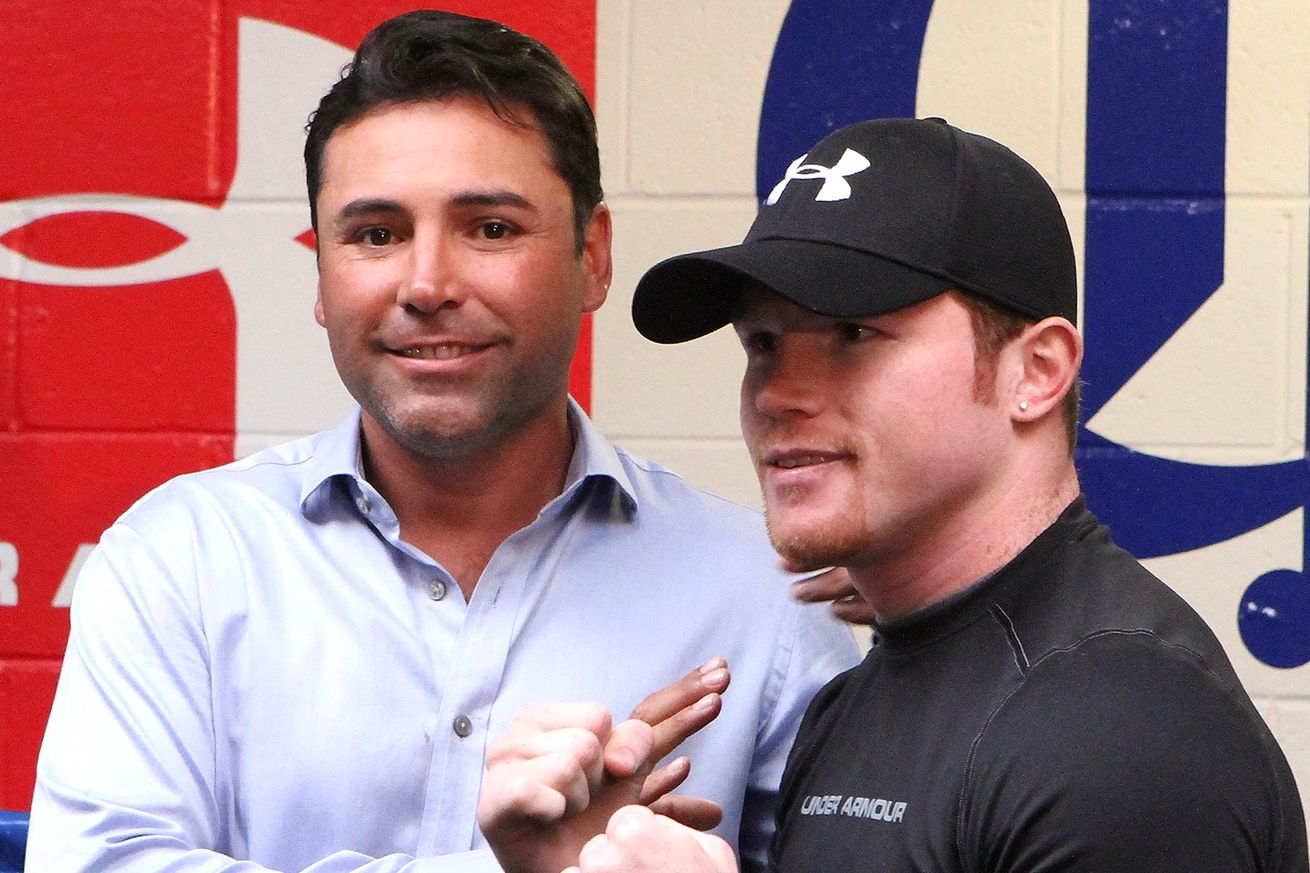 165543560.0 - De La Hoya wants Mayweather rematch, would 'think about' fighting Canelo