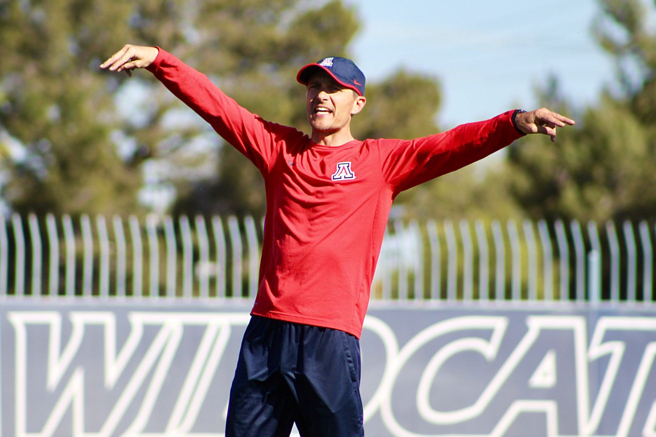 Arizona soccer adds two transfers